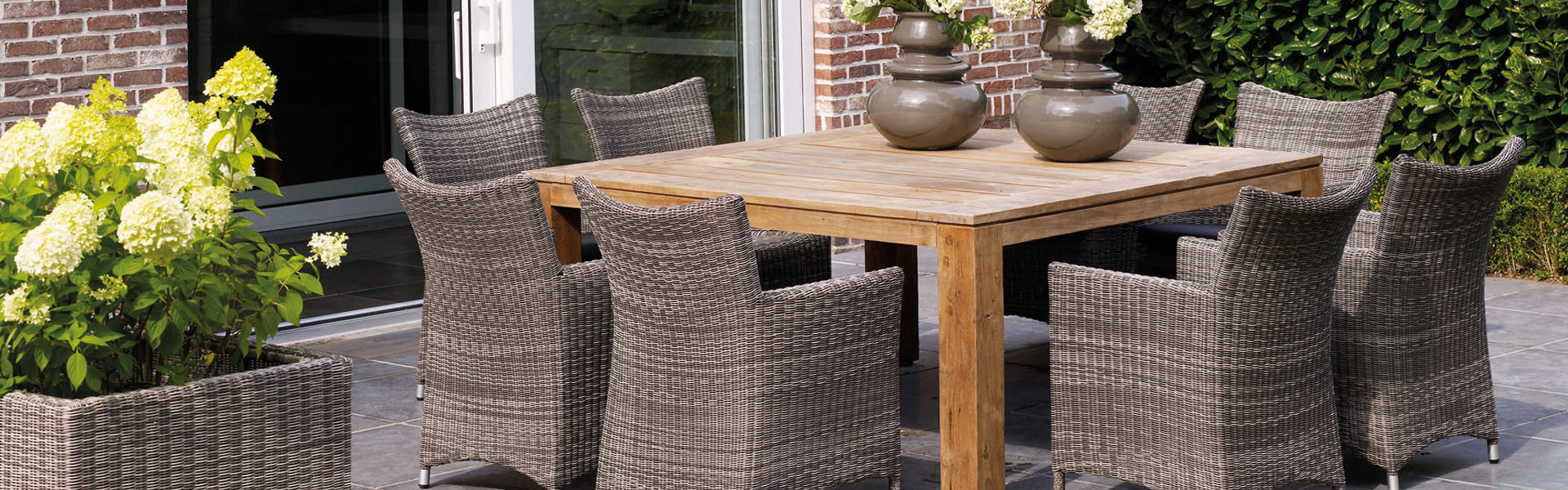 Largest collection of garden furniture