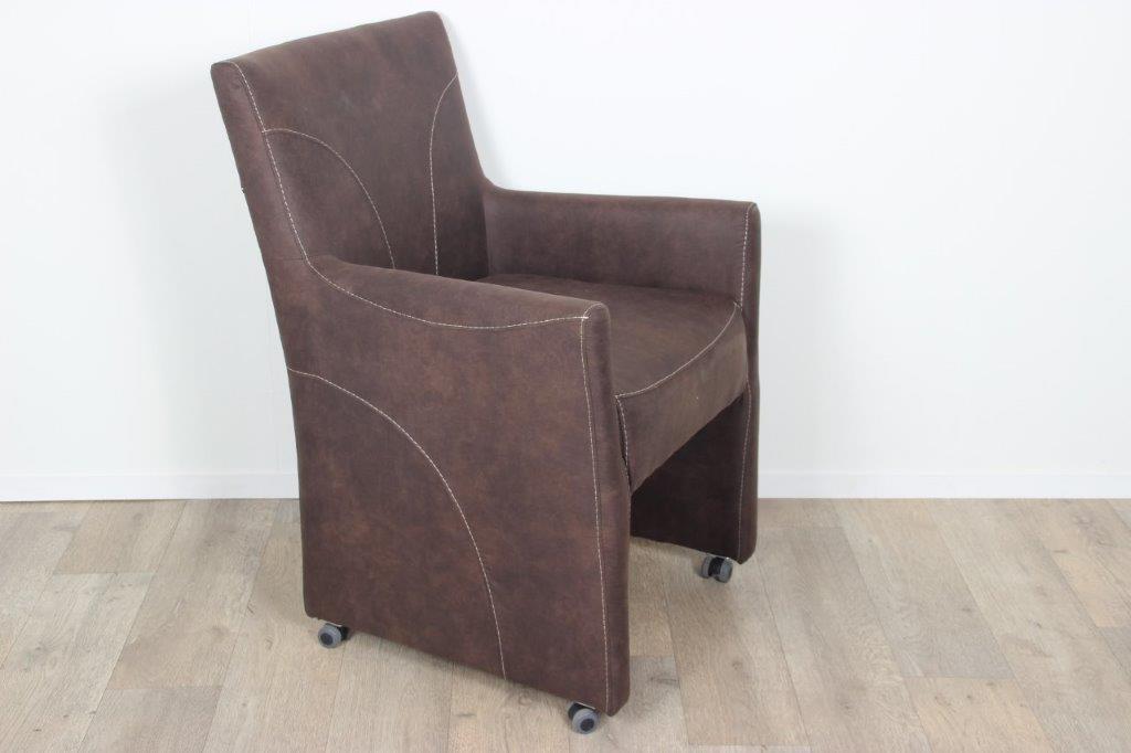 Eetkamerstoel liz heerlijke stoelen uitgevoerd in for Goedkope industriele eetkamerstoelen