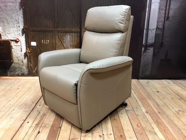 Relaxfauteuil Alcos 1043 | Heerlijke sta-op stoel| Wiegers XL
