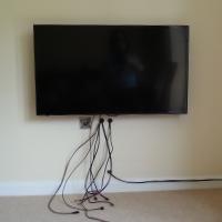 Kabels wegwerken in huis: zo zorg je dat ze niet zichtbaar zijn